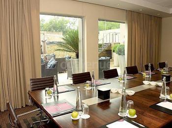 Crowne Plaza Hotel Johannesburg The Rosebank The Executive Boardroom