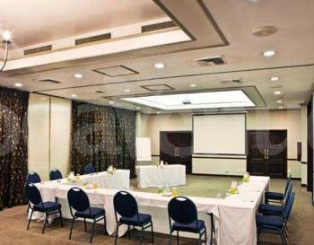 Centurion Lake Hotel Oval Room