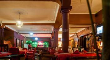 Cari Hotel Restaurant