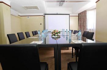 Nairobi Safari Club Hotel Elgon Meeting Room