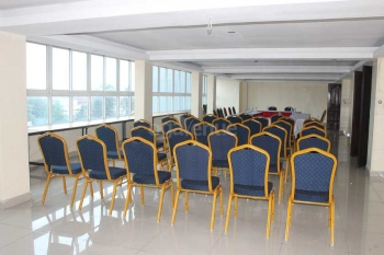 Airport Landing Hotel Conference Hall