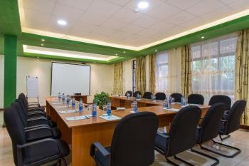 Convent International Hotel Cedar Meeting Room