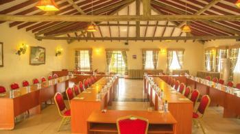 Maanzoni Lodge Nyati Meeting Room