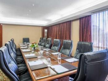 Crowne Plaza Nairobi Likii Board Room