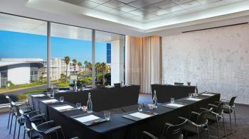 CapeTown Marriott Hotel Crystal Towers Boardroom 2