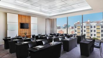 CapeTown Marriott Hotel Crystal Towers Boardroom 6